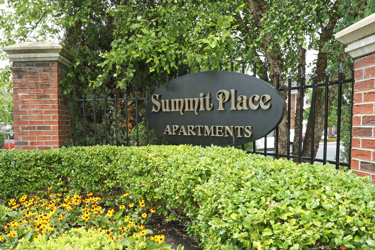 Gallery Summit Place Apartments